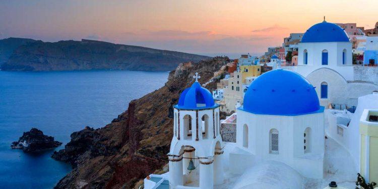 Tot mai mulți români care au plecat în vacanță în Grecia se infectează cu coronavirus. Măsuri speciale pentru acești turiști